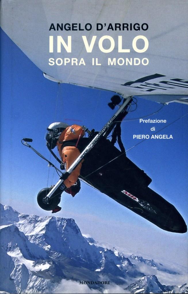 In volo sopra il mondo - Angelo D'Arrigo - Copertina