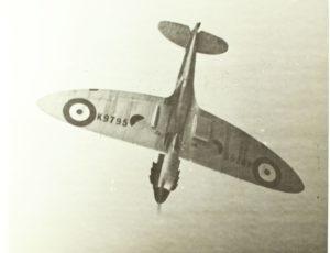 Spitfire in picchiata