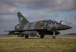 Il Mirage 2000D è il co-protagonista di questo bel romanzo